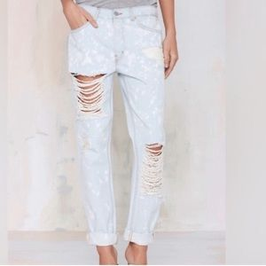 Nasty Gal Bleach Frayed Boyfriend Jeans.